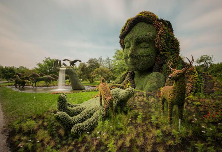 massive-hordicultural-sculptures-in-montreal-designboom-20