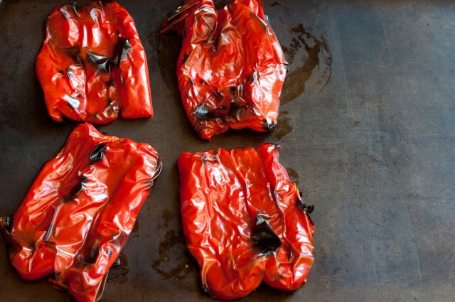 how-to-roast-red-peppers2-640x425